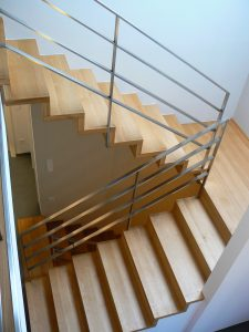 Treppen in Faltwerkoptik von Matthias Kroth